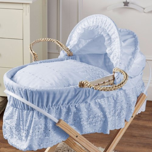 Broderie Anglaise Moses Basket Blue