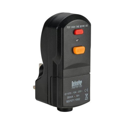 Defender RCD Wireable Plug 13amp 240v E11070C