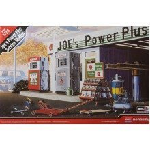 Aca15122 - Academy 1:24 - Joe's Power Plus Service Station