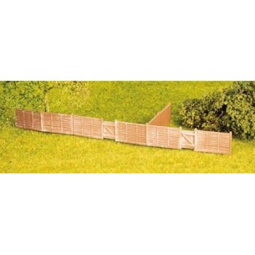 Larch lap fencing, including gates - OO/HO Building – Wills SS44 - free post