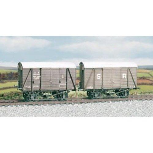 OO wagon kit - SR/BR 12t. Box Van, even planked - Ratio 594 - free post